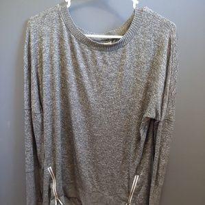 Pullover long sleeve shirt